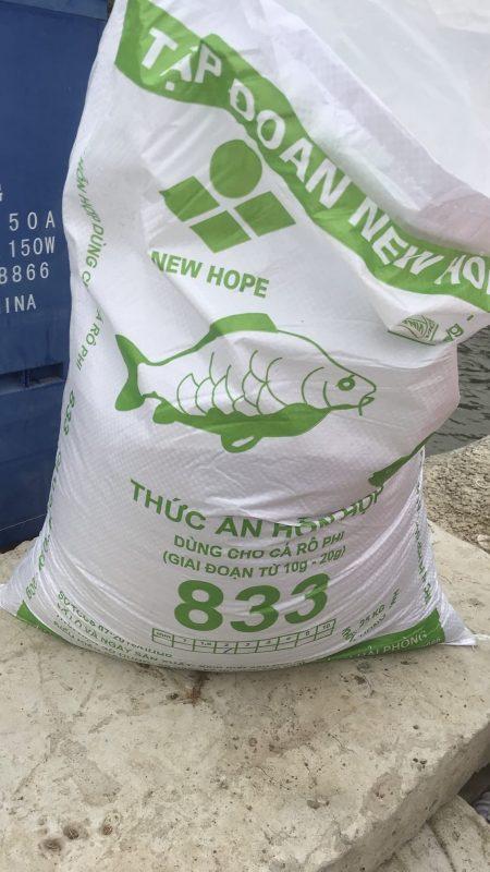 Thức ăn công nghiệp cho cá da trơn