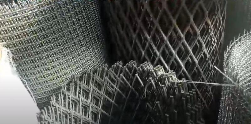 Chọn lưới nuôi gà như thế nào là phù hợp?